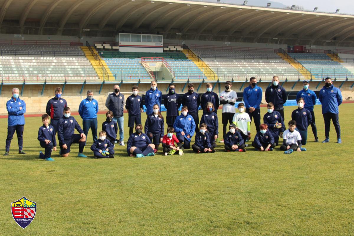 Tutti i portieri rossoblù riuniti allo Stadio Tullio Saleri di Lumezzane